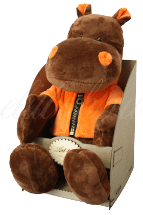 Бегемот в оранжевой кофте