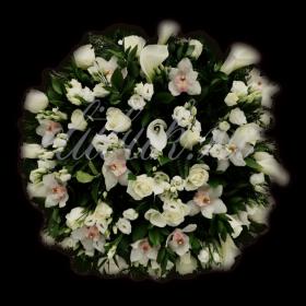 Ритуальный венок из живых цветов №2
